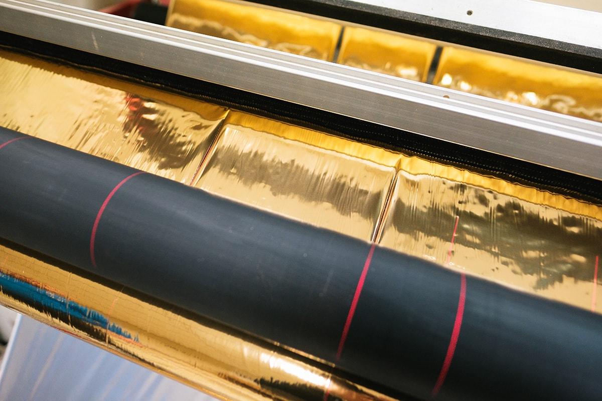 Слитване на фолио за топъл печат